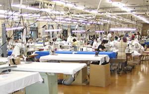 自社工場による純国内生産